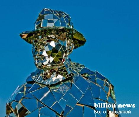 Зеркальный человек в Лос-Анджелесе (9 фото)