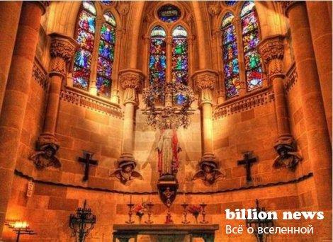 Саграда Фамилья – церковь, которая строится уже 126 лет (22 фото)