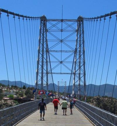 15 самых жутких мостов в мире (60 фото)