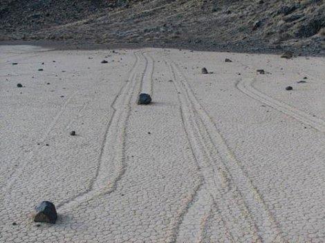 Долина двигающихся камней (Racetrack Playa) (16 фото)