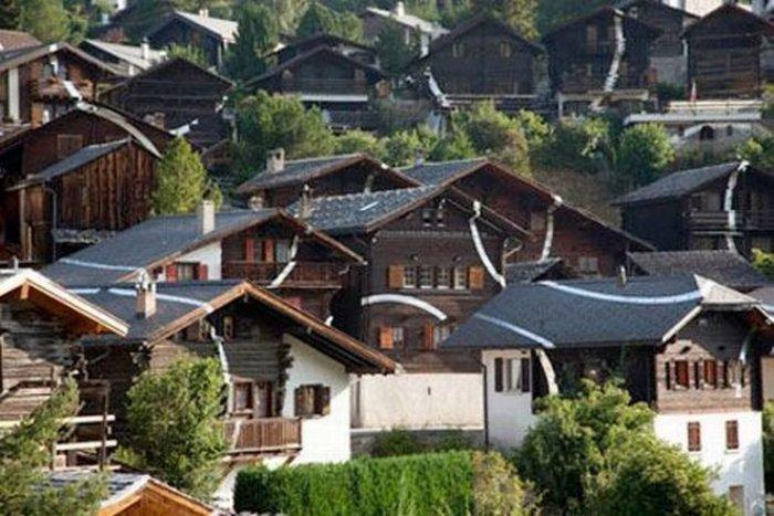 Иллюзия размером с город от Felice Varini (15 фото)