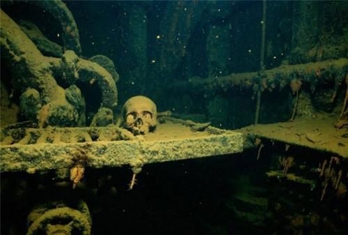 Лагуна погибших кораблей (35 фото)