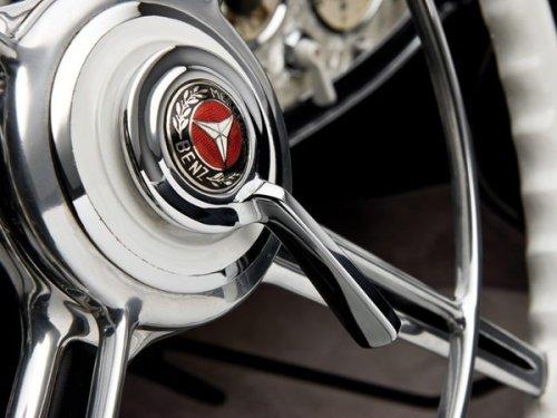 Продан самый дорогой Mercedes (11 фото)