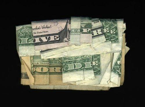 Скрытые сообщения на долларовых купюрах (10 фото)