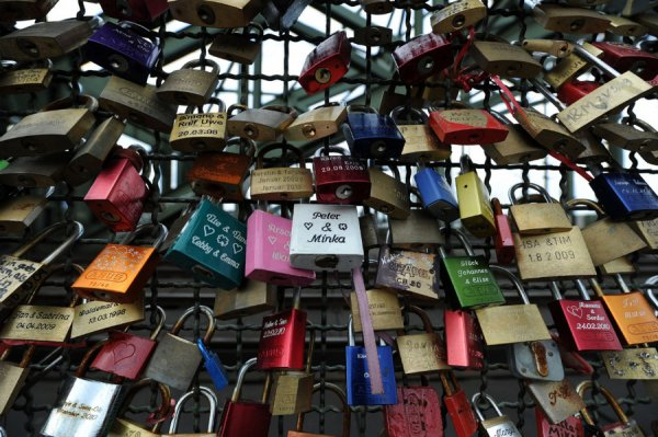 Мост любви в Кельне, Германия (7 фото)