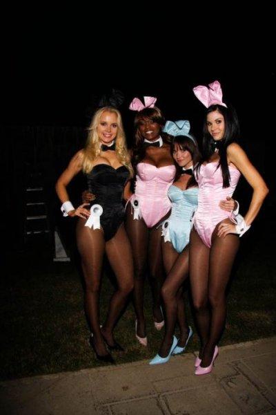 Девушки с Хэллоуина в особняке Playboy (40 фото)
