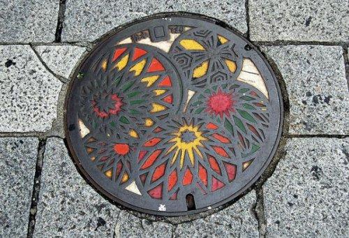 Японские канализационные люки (28 фото)