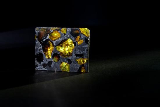 Фукан — это метеорит-драгоценный камень (4 фото)
