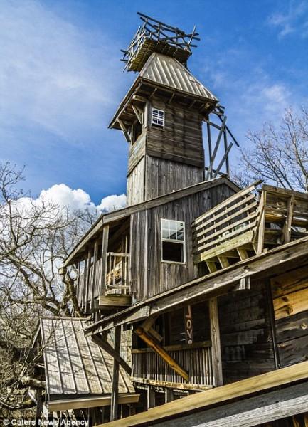 Самый высокий деревянный дом в мире (9 фото)