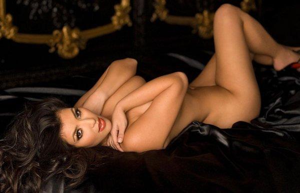 Самые сексуальные девушки 2012 года (10 фото)