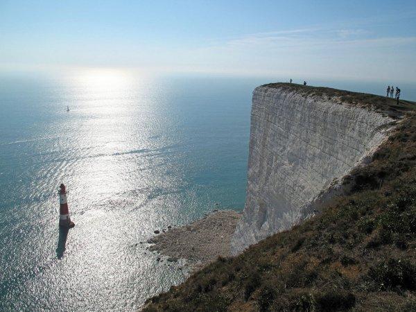 Меловая скала на южном побережье Великобритании (12 фото)