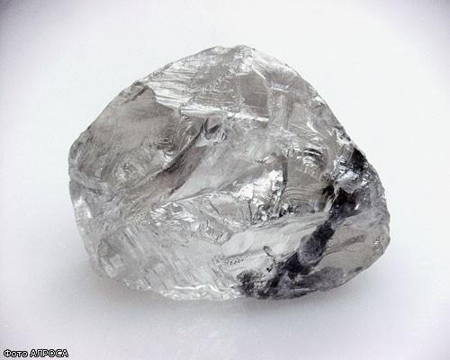 В России нашли алмаз весом 158,2 карата стоимостью 1.500.000$