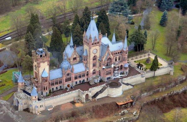 Сказочный замок Драхенбург (20 фото)
