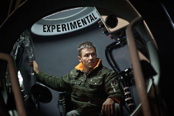 Прыжок Феликса Баумгартнера с высоты 38 тысяч метров (10 фото+ видео)