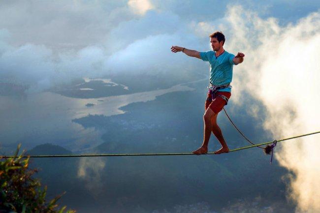 Слэклайн над Рио (12 фото)