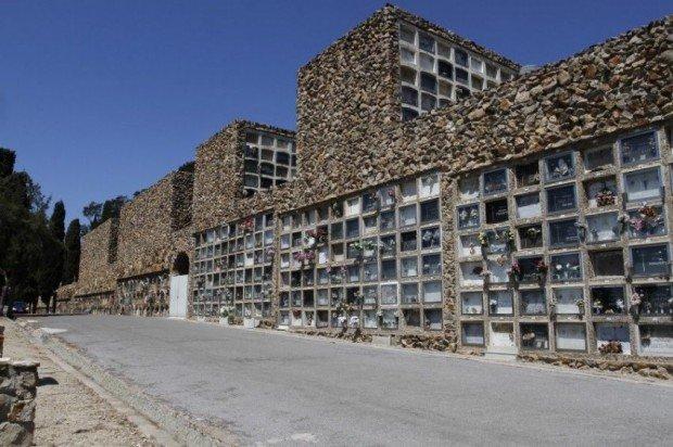 Город мёртвых в Барселоне (43 фото)