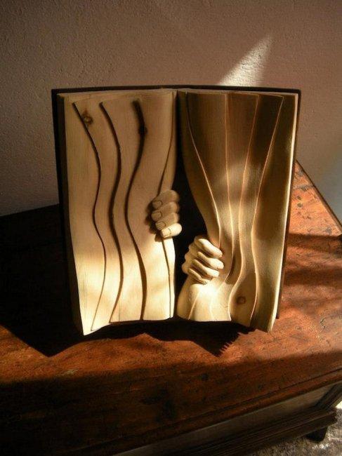 Деревянные книги от Нино Орланди (15 фото)