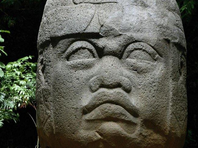 Таинственные доисторические объекты (10 фото)