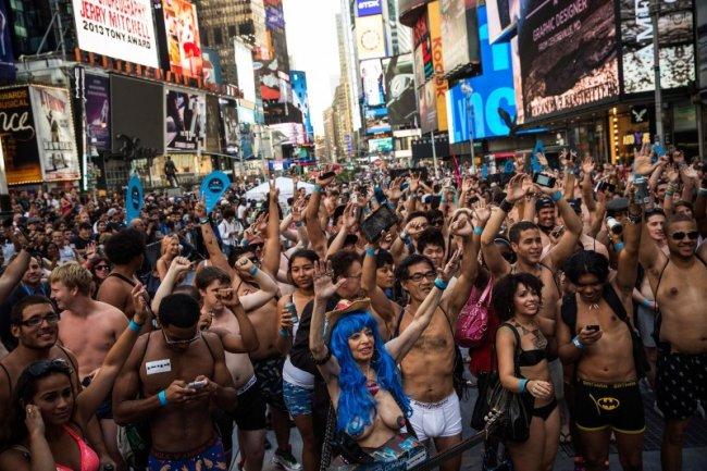 День нижнего белья в Нью-Йорке (14 фото)