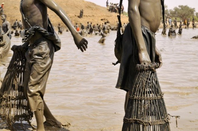 Рыбалка на озере Антого, Мали (14 фото)
