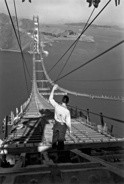 Строительство моста Золотые Ворота (27 фото)