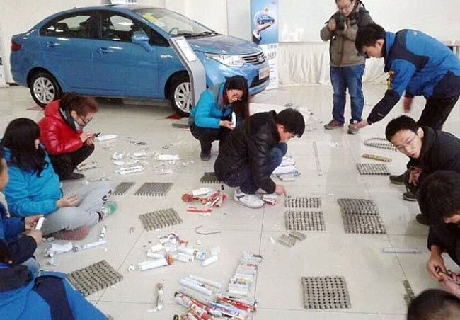 Китаец заплатил за автомобиль монетами
