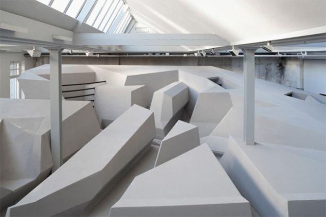 Офис, в котором работники не сидят (6 фото)
