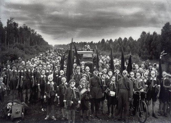 Пионеры, поднятые по учебной тревоге (фото дня)