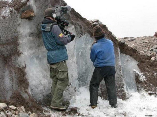 Продавец горного льда (3 фото)
