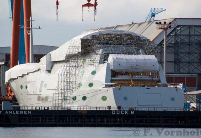 Российский миллиардер купил самую большую яхту в мире (6 фото + видео)