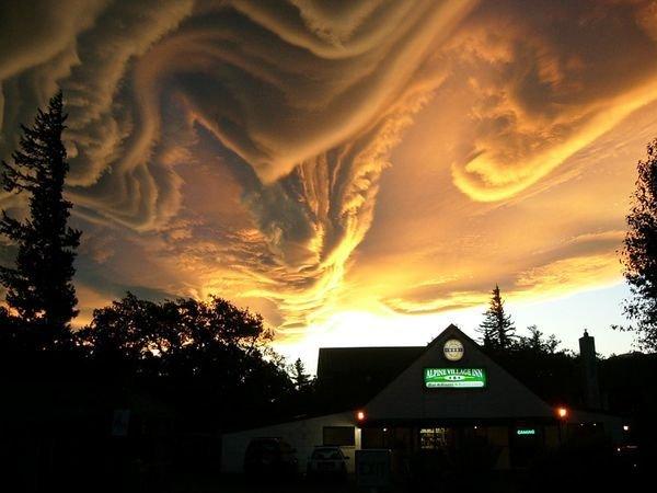 15 самых необычных явлений природы (15 фото)