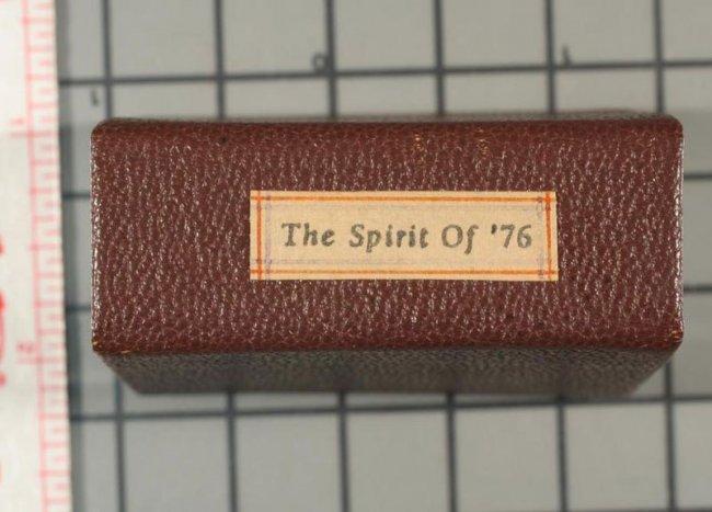 Коллекция миниатюрных книг (40 фото)