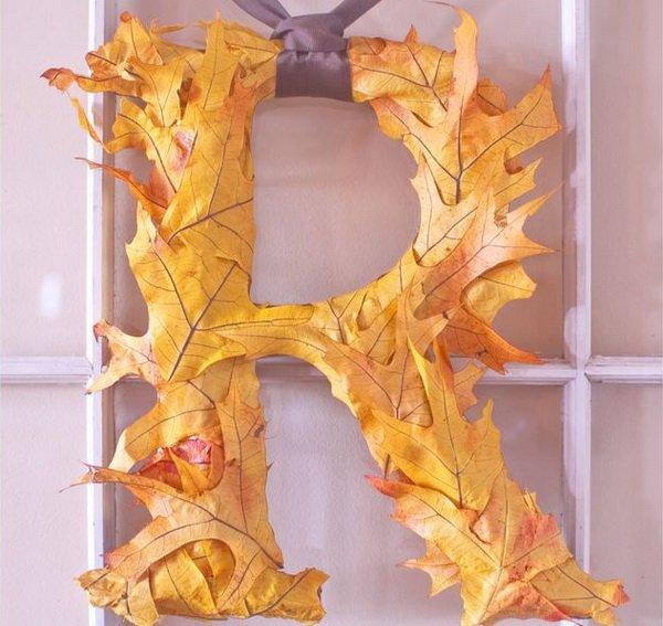 Буквы из природных материалов