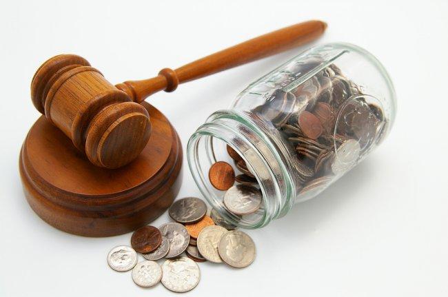 Какие банки подают в суд на должников а какие нет