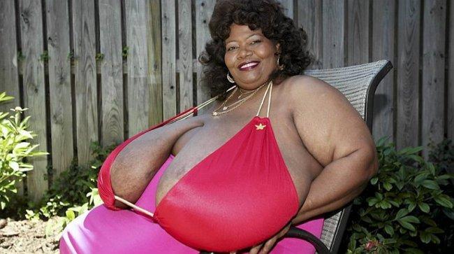 Самые необыкновенные женские груди 6 фотография