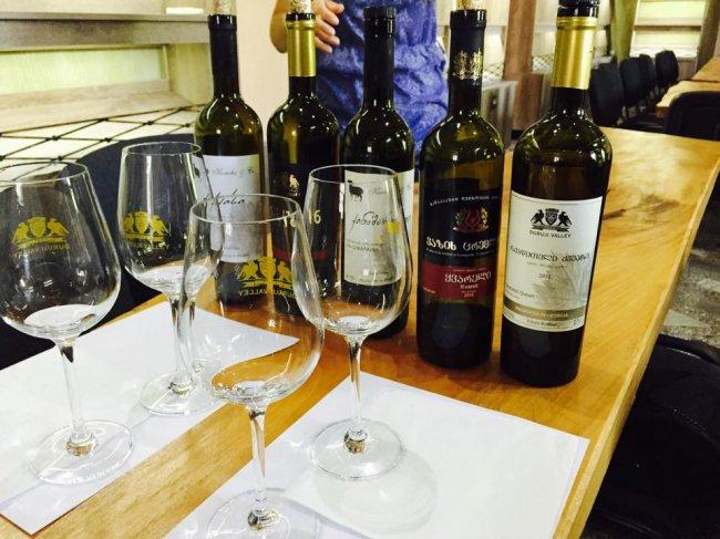 Все о грузинском вине (15 фото)