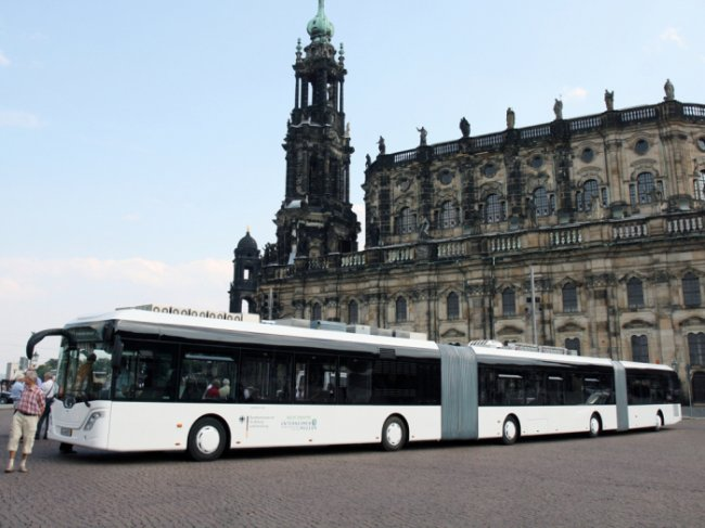 Самые длинные автобусы в мире (15 фото)