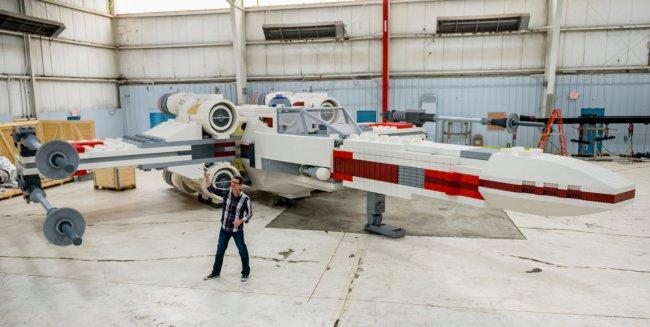 """Истребитель """"X-wing"""" из """"Звёздных войн"""", сделанный из LEGO (видео)"""