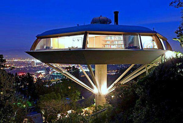 Самые необычные дома в мире (17 фото)