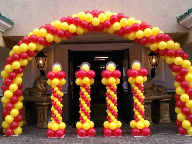Оформление шарами – прекрасный декор для школьных мероприятий