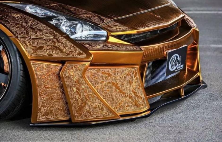 Nissan R35 GT-R из золота (16 фото)