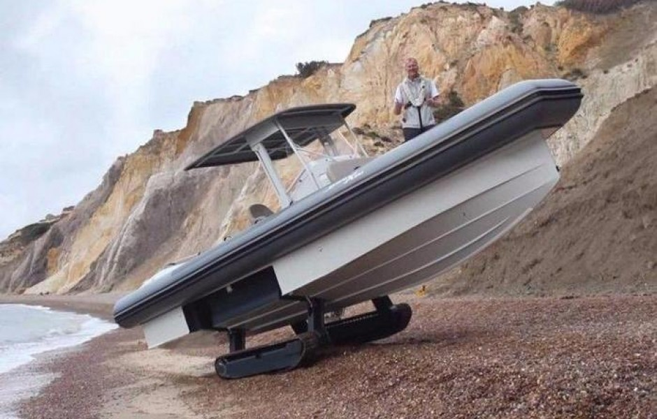 Яхта на гусеницах за 15 200 000 рублей (5 фото + видео)