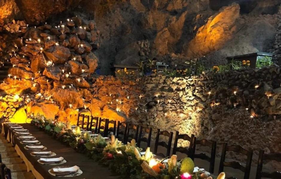 Ресторан в глубокой подземной пещере «Ла Крута»