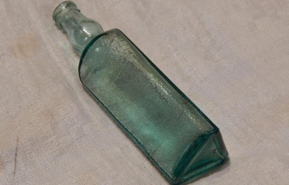 Зачем в СССР выпускали треугольные стеклянные бутылки