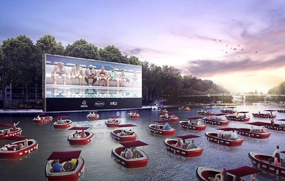 Плавучий кинотеатр в Париже