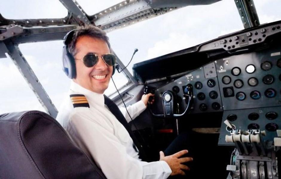 По какой причине пилотам не разрешается носить бороду и усы