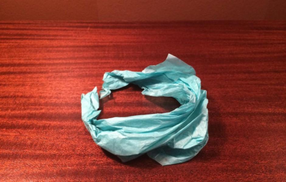 Парень зарабатывает себе на жизнь, продавая ужасные оригами (10 фото)