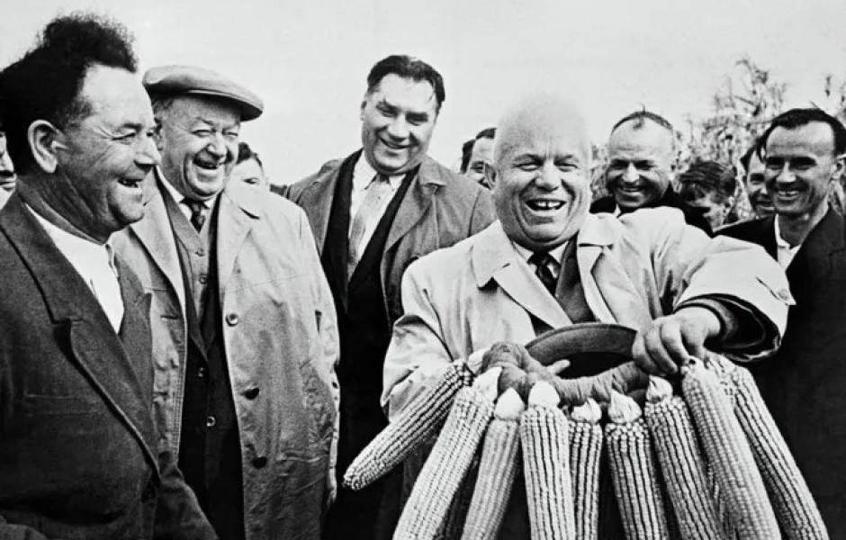 Как встречали Новый год лидеры СССР