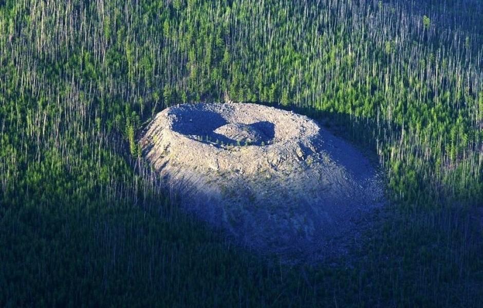 Таинственный Патомский кратер (7 фото)