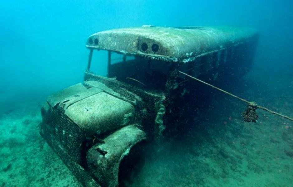 11 примеров необычной техники, которую можно найти в глубинах вод